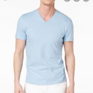 *NEW* Calvin Klein V-neck T-shirt